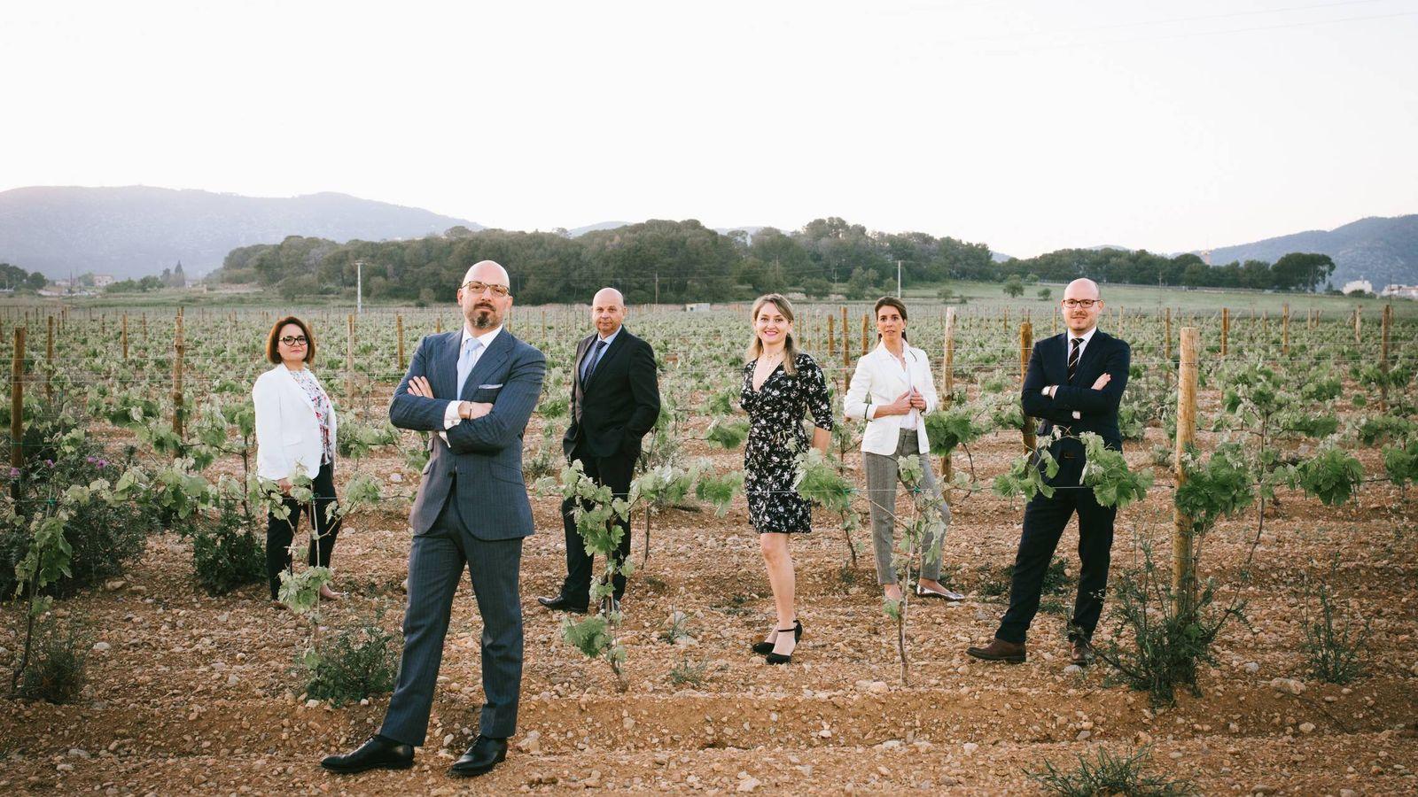 Foto: El equipo de genealogistas, con Lamberti al frente. (Coutot Roehrig)