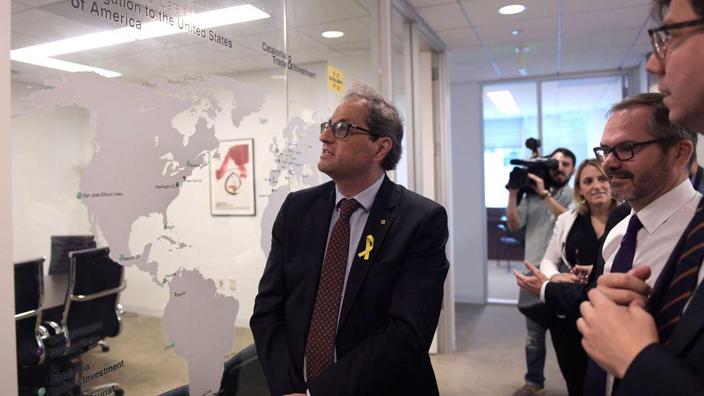 Foto: El presidente de la Generalitat de Cataluña, Quim Torra (c), visita las instalaciones de ACCIÓ, la oficina comercial del gobierno regional catalán en Washington DC. (EFE)