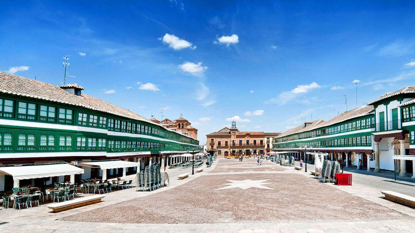 Foto: La plaza de Almagro es única y preciosa. (Foto: Turismo Castilla-La Mancha)