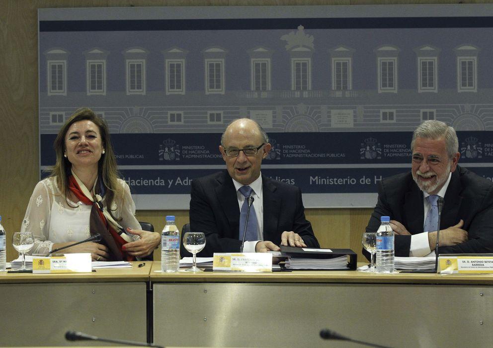 Foto: Cristóbal Montoro, Marta Fernández Currás y Antonio Beteta. (EFE)