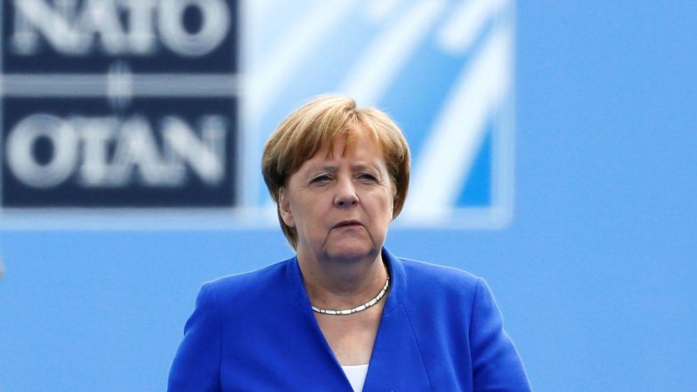 Foto: Merkel llegando a la OTAN tras las críticas de Trump (REUTERS)