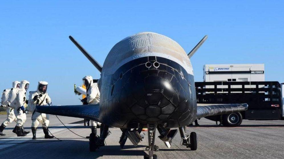Foto: El X-37B, tras su aterrizaje en el Centro Espacial Kennedy. (Foto: US Air Force)