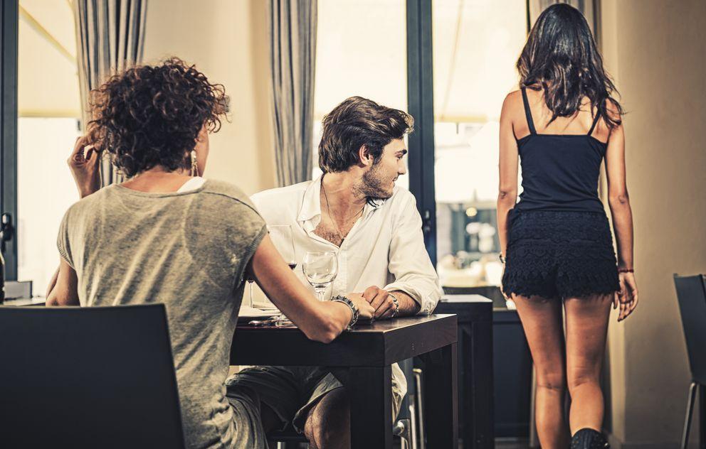 Foto: La ciencia demuestra que las reacciones que tenemos ante una infidelidad podrían depender de nuestro sexo. (iStock)