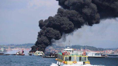Varios heridos al arder un barco turístico con 50 personas en la ría de Arousa