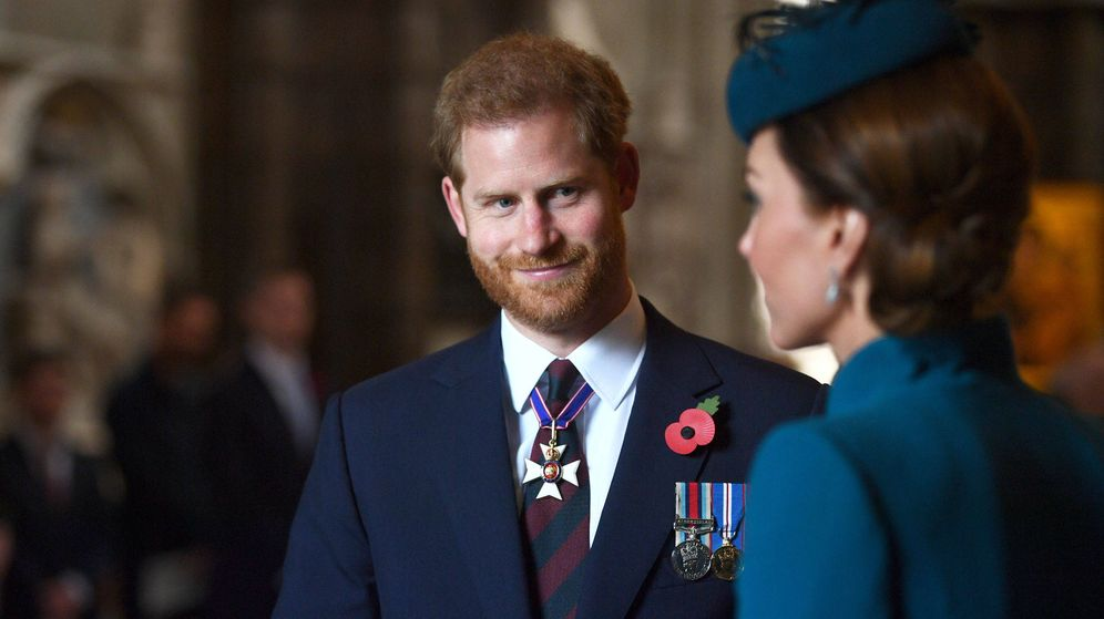 Foto: La duquesa de Cambridge y el príncipe Harry. (Reuters)
