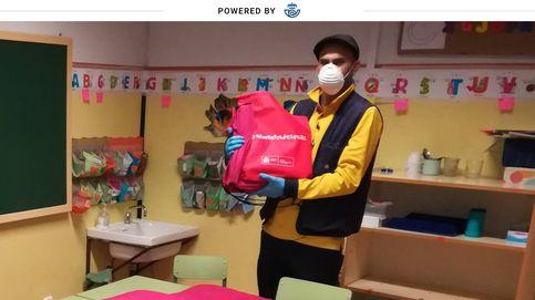 Centros escolares recurren a los carteros para salvar la brecha digital