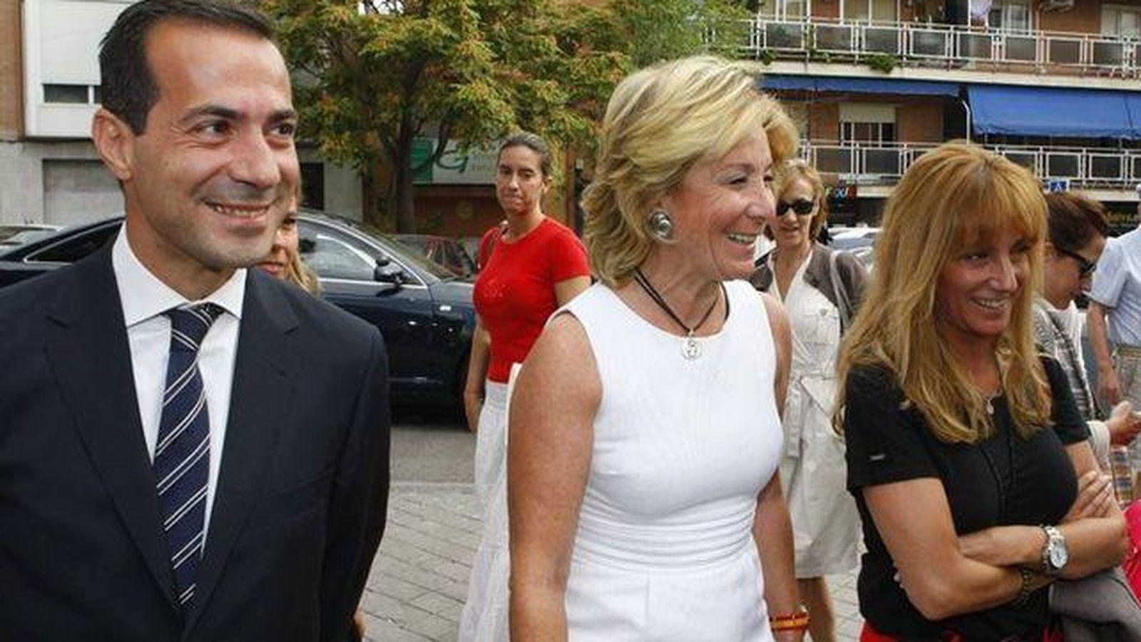 Foto: Isabel Gallego (dcha.), junto a Esperanza Aguirre. (madrid.org)