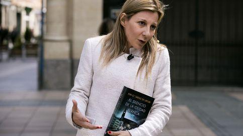 Eva García Sáenz de Urturi: Los galones te los ganas a base de vender y vender