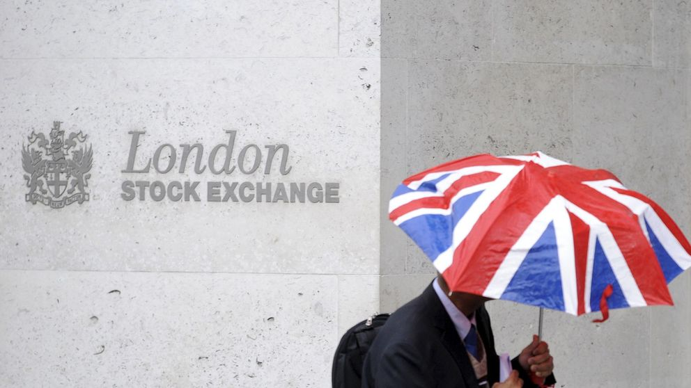 Los bancos de la City preparan a sus clientes para el caos de un Brexit