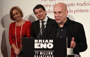 Brian Eno mete a Ignacio González en la máquina del tiempo