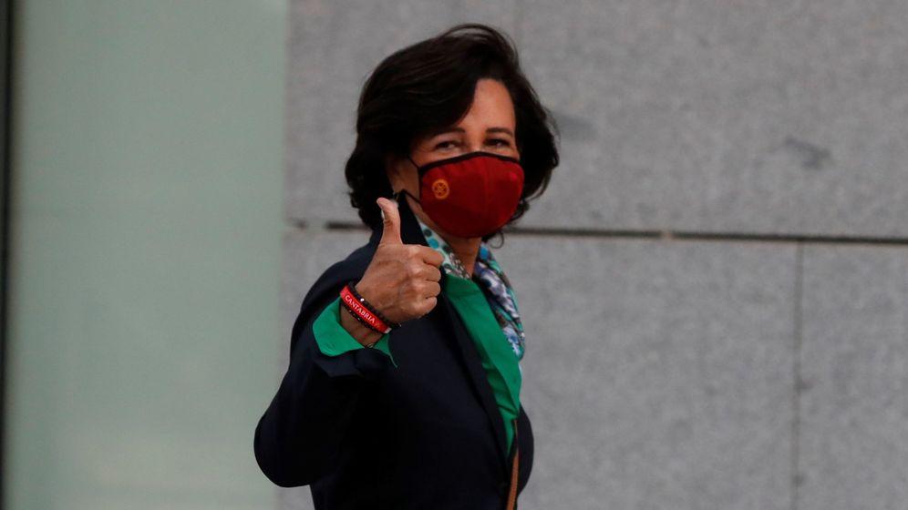 Foto: Ana Botín, presidenta de Santander, a su llegada a la Audiencia. (EFE)