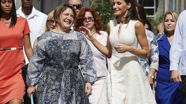 La Reina con la primera dama. (Getty)