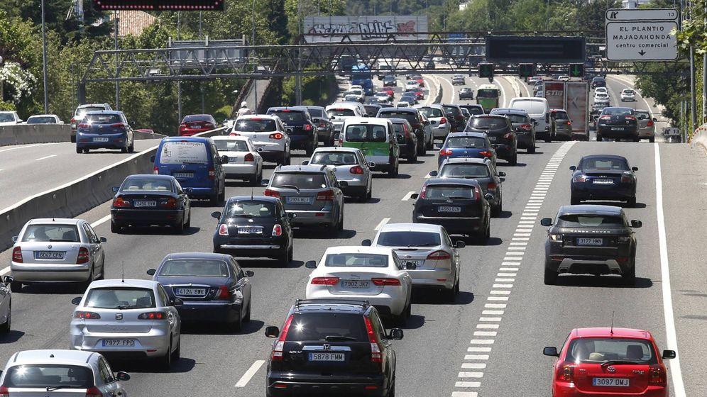 Foto: Gran operación salida de tráfico. EFE/Angel Diaz