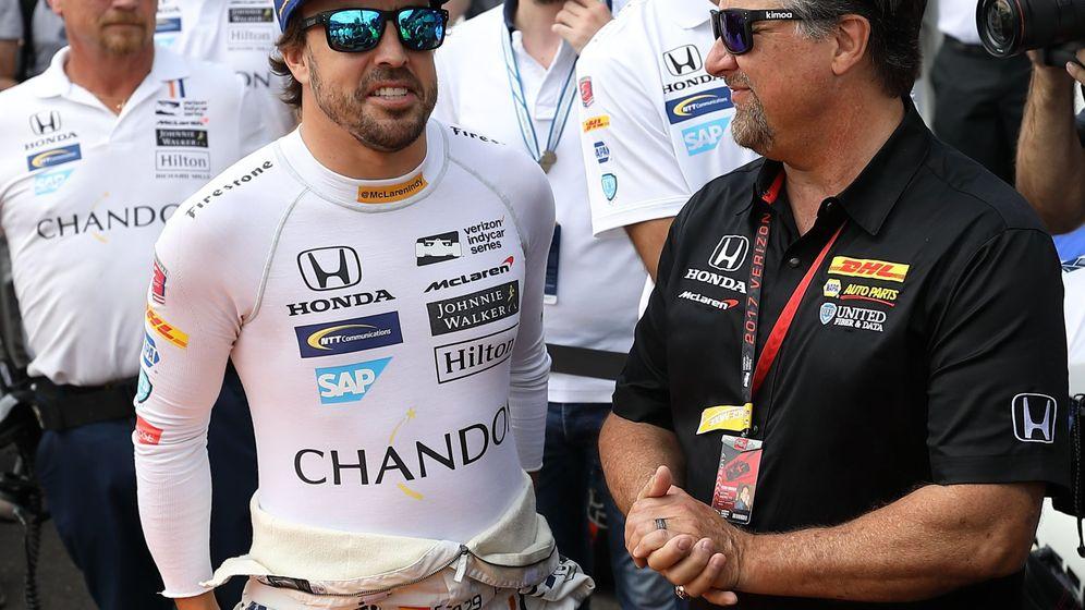 Foto: Fernando Alonso con Mario Andretti en 2017. (EFE)