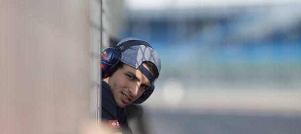Foto: El clavado de Sainz Jr desde el trampolín de la Fórmula 1