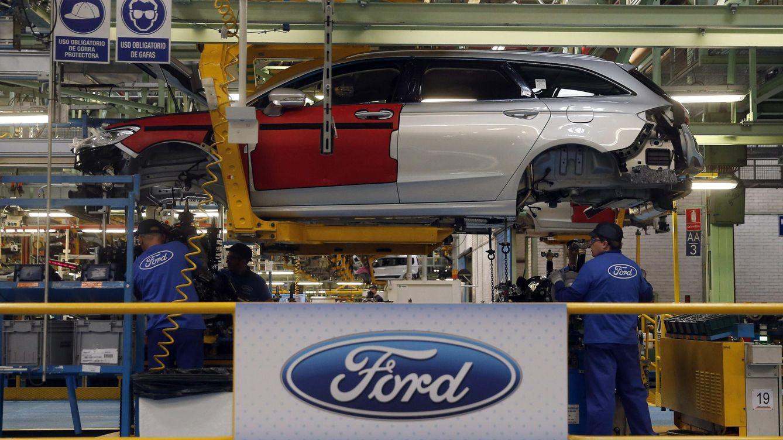 Foto: Sección de pinturas de la planta de Ford en Almussafes (Valencia). (EFE)
