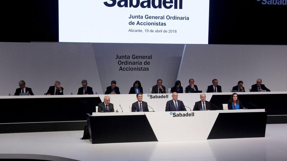 Banco Sabadell cae con fuerza tras ganar menos de lo previsto y saner su balance