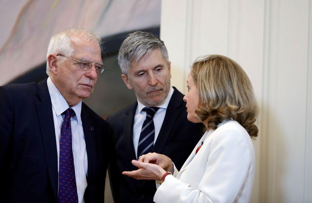 Foto: Los ministros de Exteriores, Interior y Economía, Josep Borrell, Fernando Grande-Marlaska y Nadia Calviño, el pasado 26 de julio en Madrid. (EFE)