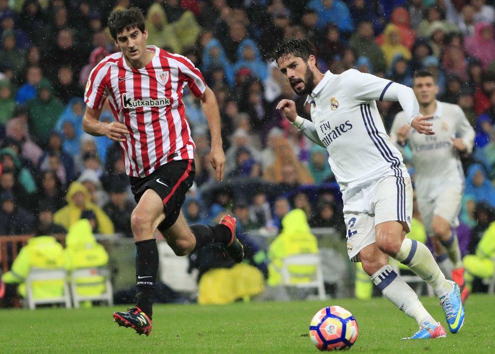 Foto: Isco, durante el partido del Real Madrid contra el Athletic en el Bernabéu. (EFE)
