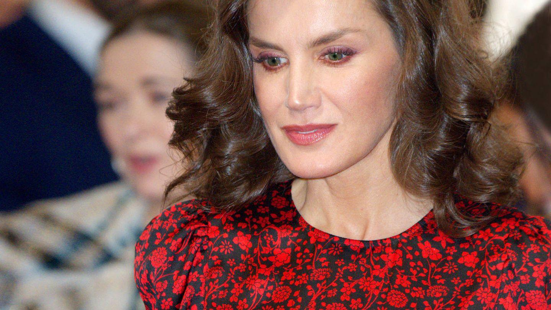 Detalle del maquillaje de la reina Letizia en ARCO. (Limited Pictures)