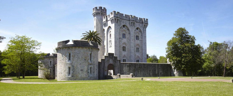 Foto: En estos castillos y palacios podrás disfrutar de escapadas propias de otras épocas (Castillo de Arteaga)