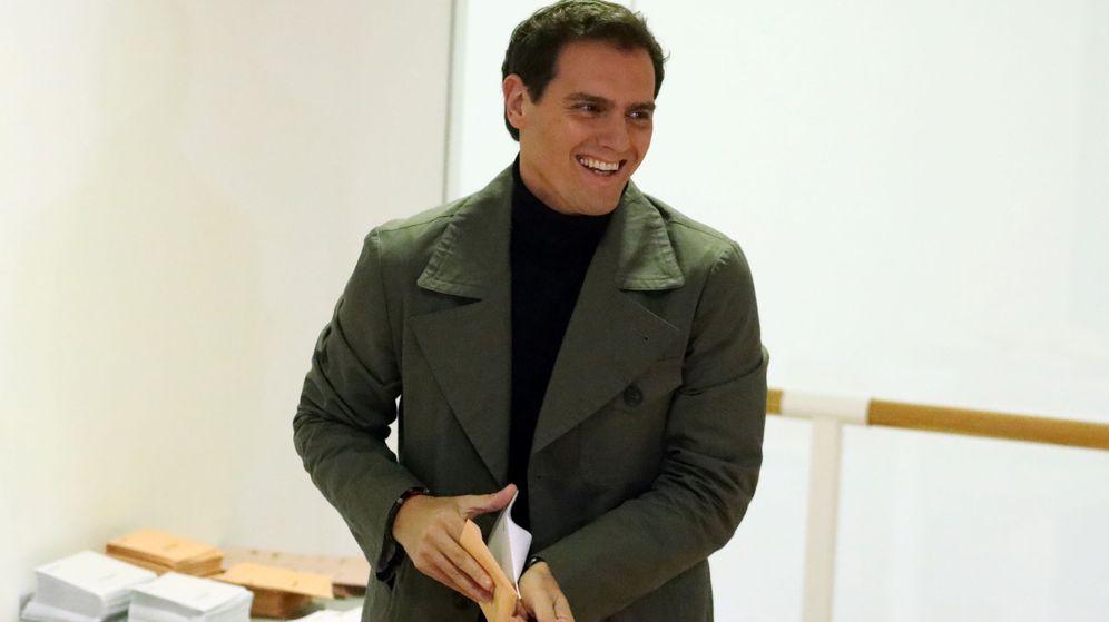 Foto: Albert Rivera vota en las elecciones generales. (Reuters)