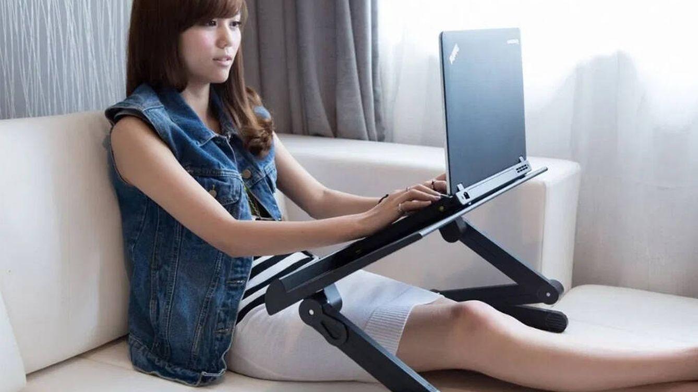 Mesas regulables para portátiles para trabajar desde casa cómodamente