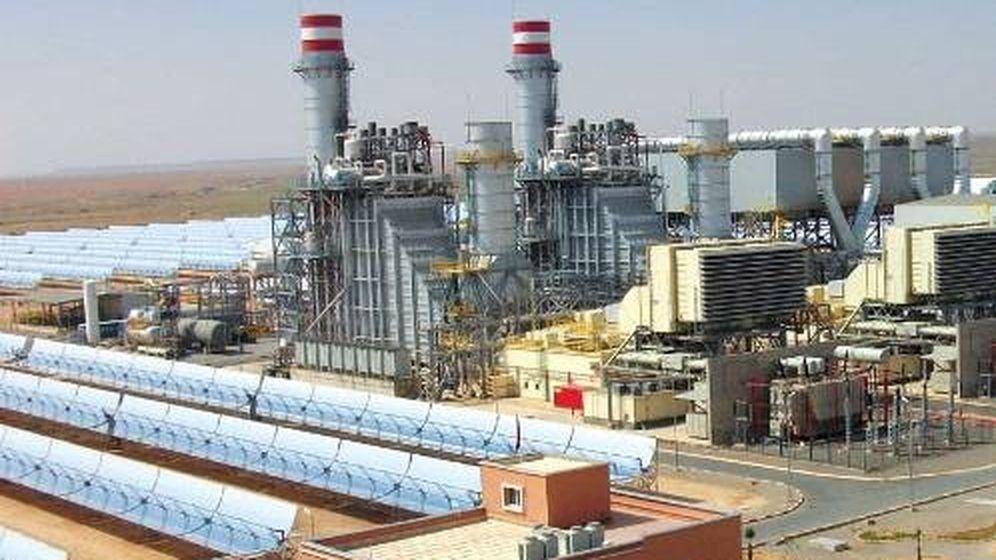 Foto: Central mixta gas-solar en Marruecos, similar a la de Waad al Shamal. (Abengoa)