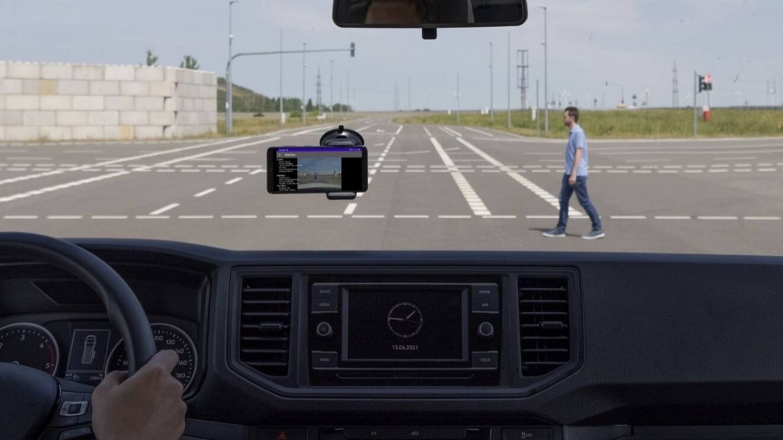 Las primeras pruebas se están centrando en aspectos básicos de la seguridad vial.