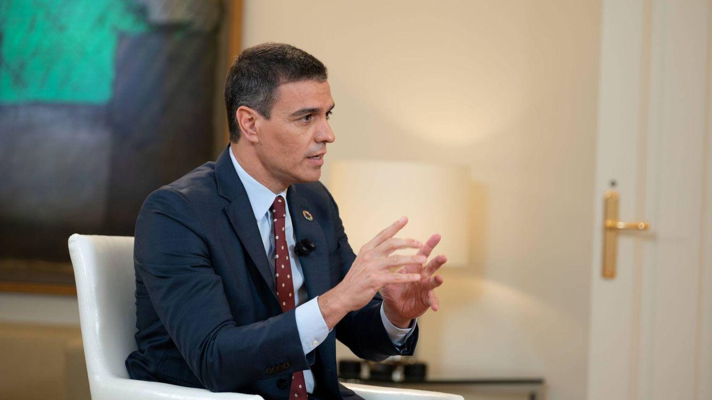 Sánchez anuncia subidas de impuestos y anima a consumir para reactivar la economía