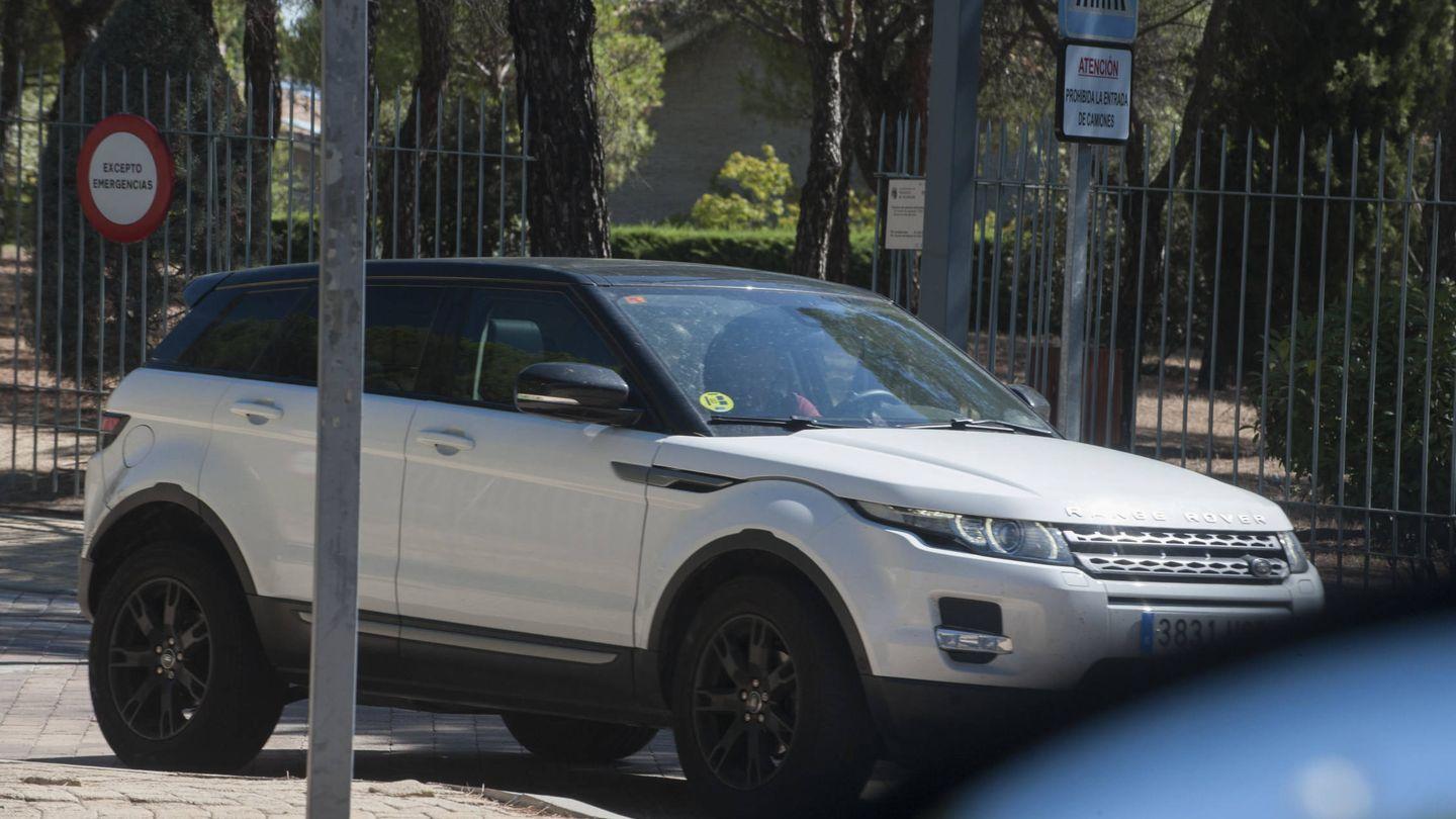 El coche de Pedroche y Muñoz, saliendo de La Finca. (Ram Press)