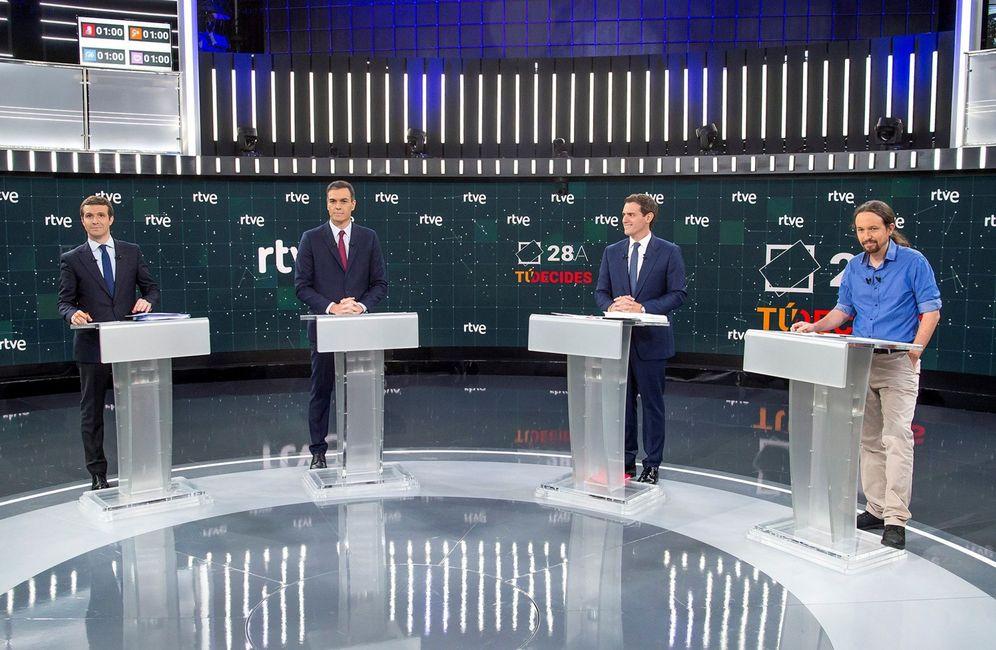 Foto: Pablo Casado, Pedro Sánchez, Albert Rivera y Pablo Iglesias, en el debate a cuatro en el Estudio 1 de Prado del Rey de RTVE, el pasado 22 de abril. (EFE)