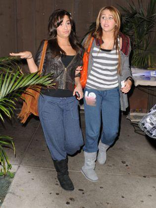 Foto: Los secretos más turbios de Miley Cyrus y Demi Lovato, al descubierto