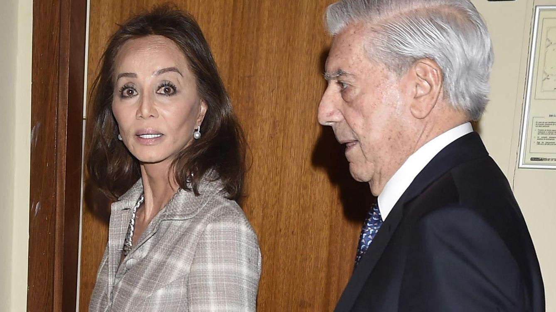 Foto: Mario Vargas Llosa e Isabel Preysler en una imagen de la presentación del libro del nobel (Gtres)