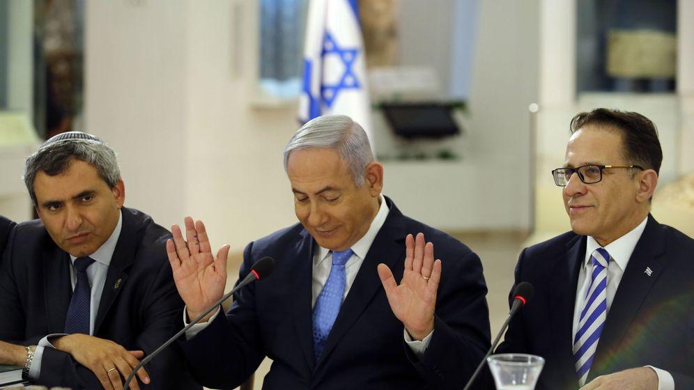 Foto: Benjamin Netanyahu en el centro de la imagen. (EFE)