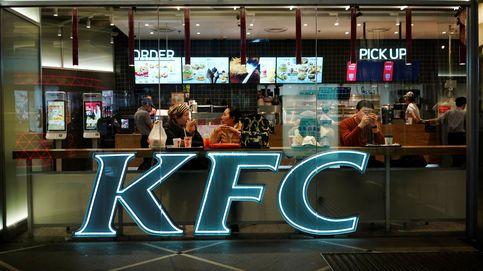 Detenido por comer gratis durante un año en un KFC con una excusa increíble