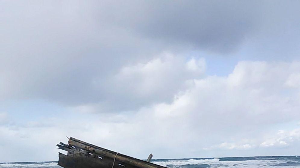 Foto: Aparece un barco con cadáveres en la costa de Japón (Reuters)