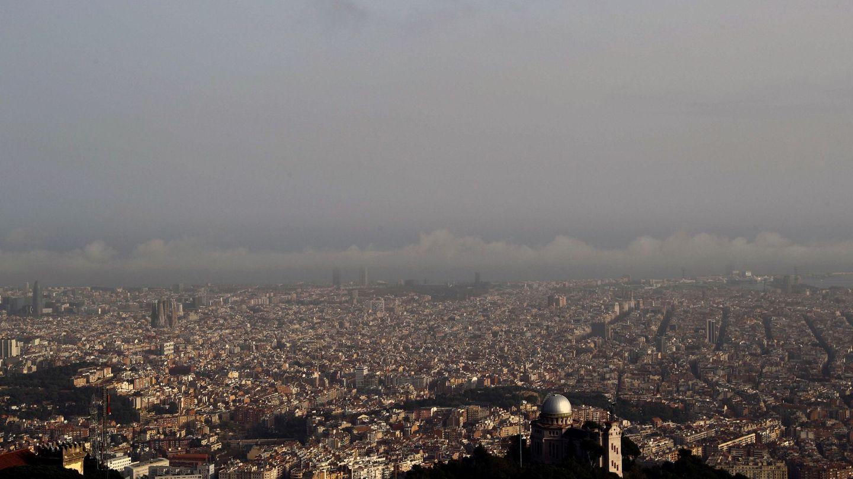 Barcelona cuadruplica los niveles de NO2 máximos recomendados por la OMS. (EFE)