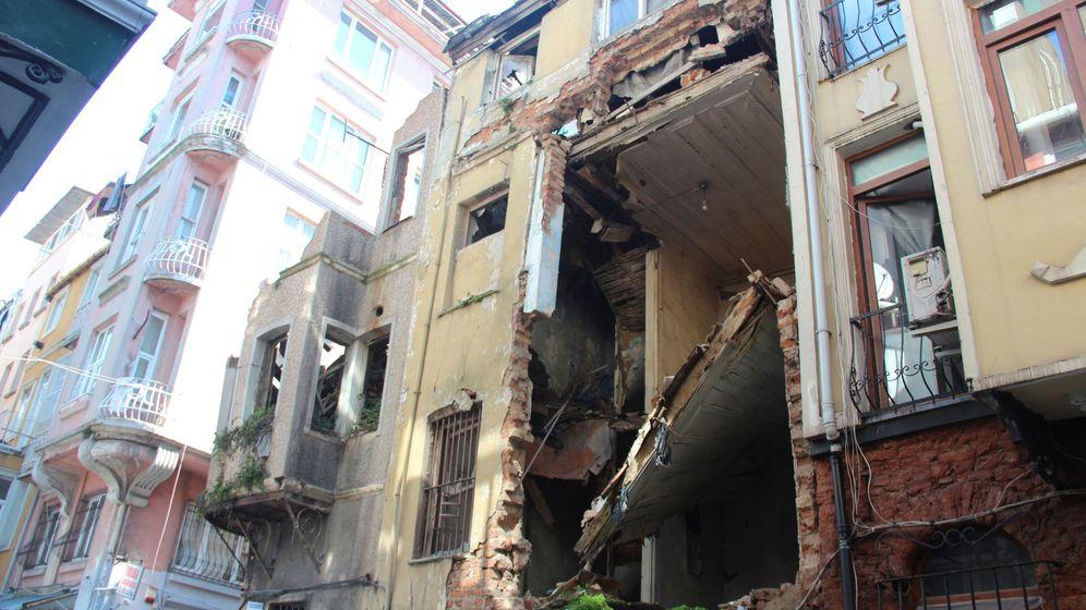 Foto: Casa en ruinas en Estambul tras un terremoto sufrido en 2018. (EFE)