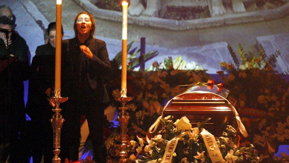 """La familia de Enrique Morente dice que la autopsia confirma que murió """"desangrado"""" por una negligencia"""