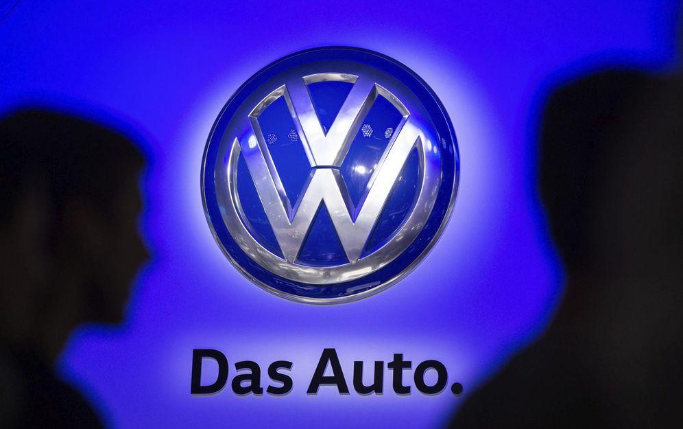 Foto: Logo de Volkswagen en la Feria del Automóvil de Francfort. (EFE)