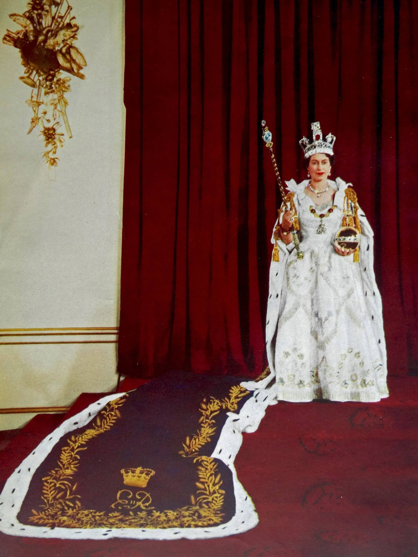 Isabel II, el día de su coronación. (Cordon Press)