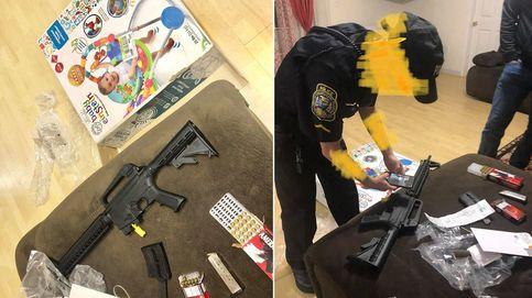 Compra un andador para bebés y en la caja encuentra un rifle real cargado