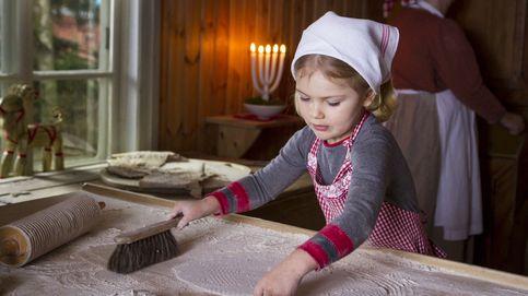 Estelle de Suecia, pillada con las manos en la masa en su felicitación navideña
