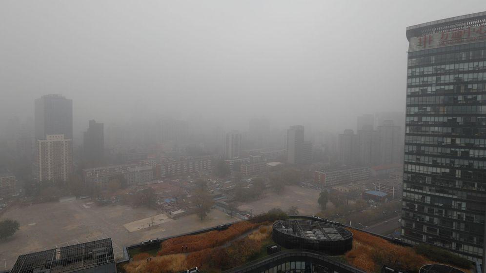 Foto: Nueve de cada diez personas en el mundo respiran aire contaminado (EFE/Roman Pilipey)