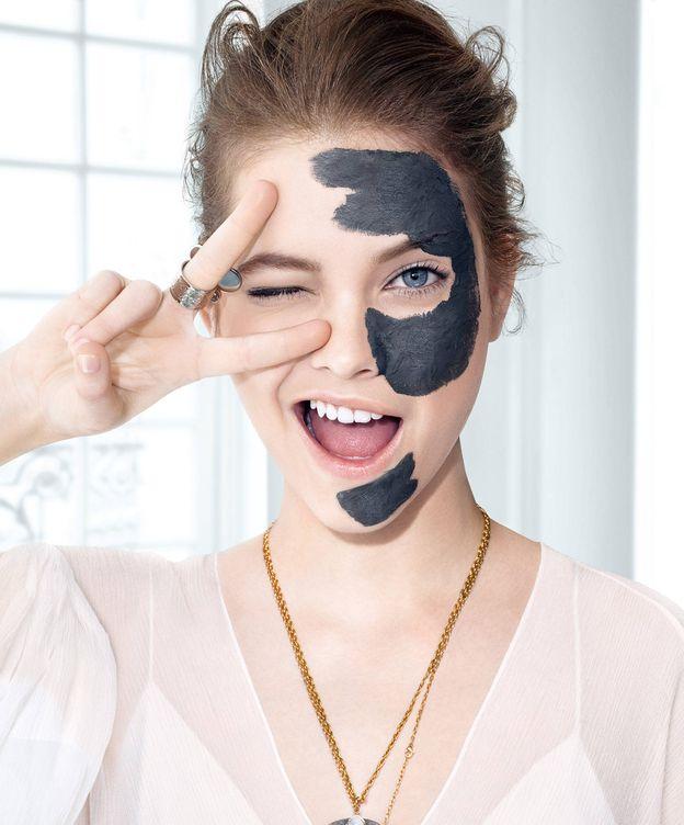Foto: ¿Por qué el carbón es el ingrediente (secreto) capaz de oxigenar nuestra piel? (Foto: L'Oréal Paris)