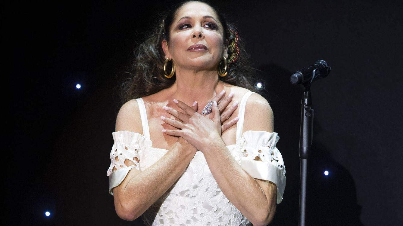 Foto: Isabel Pantoja en uno de sus conciertos (Gtres)
