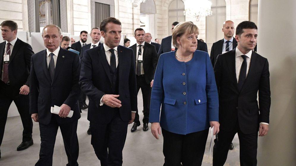 Foto: Vladimir Putin, Emmanuel Macron, Angela Merkel y Volodimir Zelenski, en París. (Reuters)