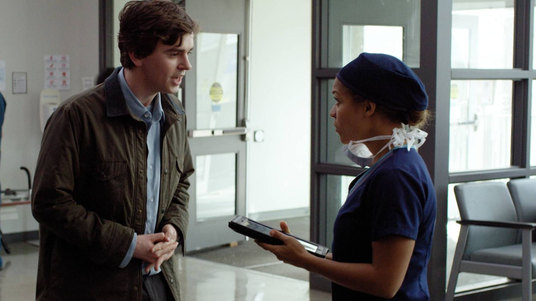 El Dr. Murphy a su llegada al hospital.