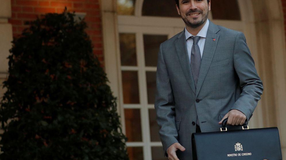 Foto: Alberto Garzón llega a la Moncloa, por primera vez, como ministro. (Reuters)